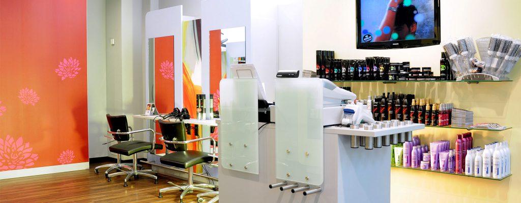 Salons - Cutting Crew - Der Friseur